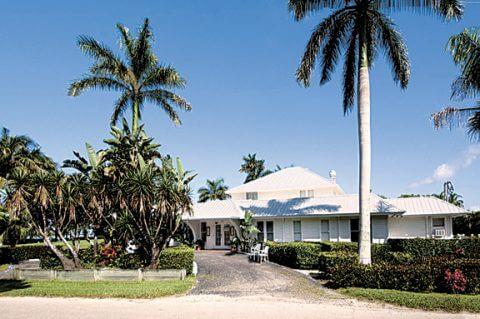 Tarpon Lodge Entrance