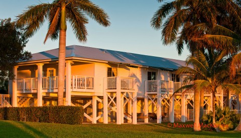 Picturesque sunset exterior view of the Island House at Tarpon Lodge