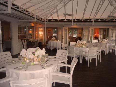 tarpon-lodge-patio-dining